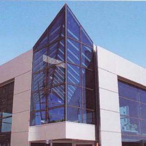 Υαλοπέτασμα επένδυσης κτιρίου Alumil Smartia J-Bond