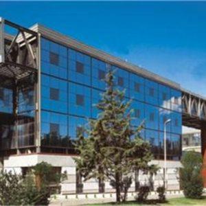 Υαλοπέτασμα επένδυσης κτιρίου Alumil M65