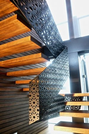 Σκάλες : Κωδικός 106
