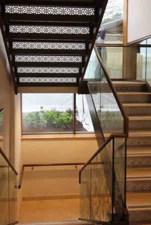 Σκάλες : Κωδικός 107